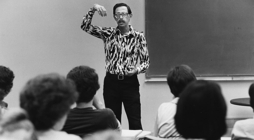 Harvey Botwin, professor of economics, in the classroom in 1980.