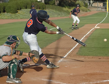 E.J. Lopez '15 had the game-winning RBI single with two outs in the bottom of the ninth to give the Sagehens a 5-4 win over La Verne on Friday.