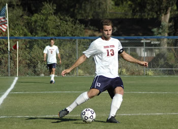 Andrew Lind '14 helped lead the Men's Soccer team to a pair of SCIAC wins this week.