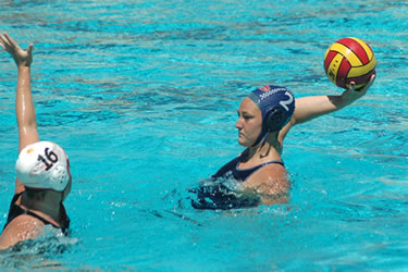 Alyssa Woodward '15 scored the game-winning goal against Concordia on Women's Water Polo's opening day.