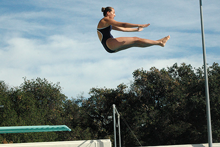 Dawn Barlow '16 set a new team record in the 1-meter diving event at the Collegiate Winter Invitational this weekend.