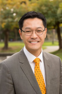 Pitzer College Interim President and Professor of Chemistry Thomas Poon